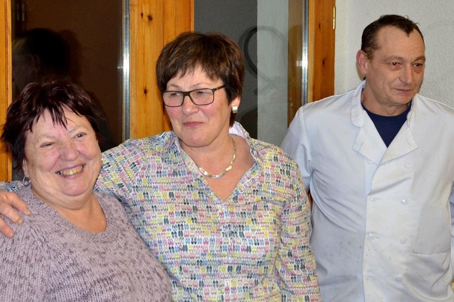 F. Naß dankt Francoise Bouvet für die Betreuung der Unterkunft und ihrem Schwiegersohn Laurent für die Kochkünste