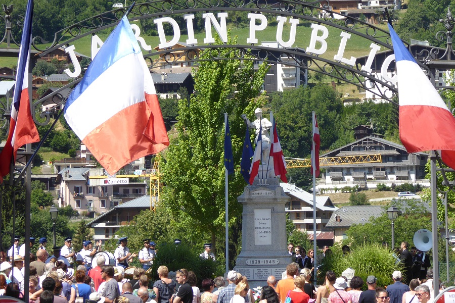 Nationalfeiertag in St.-Gervais, am Gefallenendenkmal