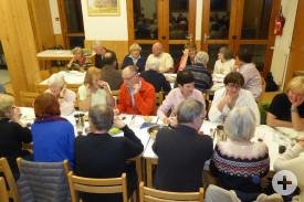Viel Spaß beim Abendessen im Freizeitheim Lilas Blancs mit den Freunden vom comité de jumelage von Saint-Gervais