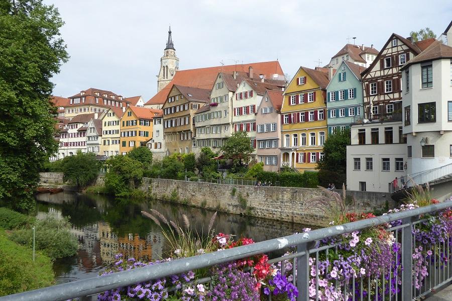 Postkartenidylle Neckarfront