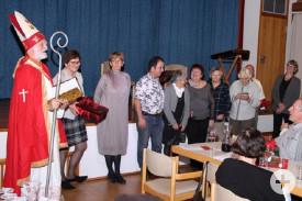 Die Mitglieder des Comité de Jumelage kommen zum Nikolaus, um ihre Geschenke in Empfang zu nehmen