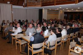 Der Saal des Kulturtreffs war wohl gefüllt