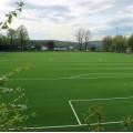 Auf dem Spielgelände des TSV Etzenrot wurde ein neuer Kunstrasen verlegt.