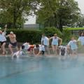 Mit dem traditionellen Sprung ins Schwimmerbecken ist nun offiziell die Freibadsaison in diesem Jahr eröffnet.