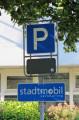 Parkplatz für die Stadtmobile.