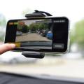 Intelligentes Straßenerhaltungsmanagement per Smarthphone.     Bild: vialytics