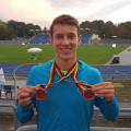Tom Anderer vom TSV Reichenbach freut sich über seine zwei Bronze-Medaillen bei den Deutschen U-18 Leichtathletik Meisterschaften.   Bild: TSV Reichenbach