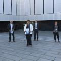 Agilent Geschäftsführer Dr. Andreas Kistner (links) begrüßt die Regierungspräsidentin Silvia M.Felder, Bürgermeister Franz Masino und Knut Bühler, 1.Landesbeamter (rechts).  Bild: Agilent