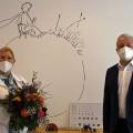 Bürgermeister Franz Masino gratuliert Dr.Ulrike Philippin-Noll zur Neueröffnung der kinderärztlichen Zweigstelle in Waldbronn.   (Bild: Gemeinde Waldbronn)