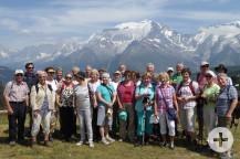 Die Waldbronner Gruppe vor dem Mont-Blanc