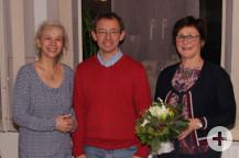Vorsitzende Felicitas Naß (rechts) mit den neuen Beisitzern Heike Günther und Stephan Eßer