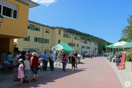 Offizielle Eröffnung der Gemeinschaftsunterkünfte in Neurod. Fünf Gebäude sind hier entstanden.