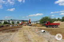 Die Quartiersachse, die durch das Baugebiet führt, ist bereits gut zu erkennen.
