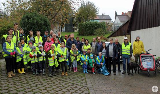 Viele fleißige Helfer kamen zur Waldputzaktion des Schwarzwaldvereins.