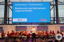 Jugendorchester vom MV Lyra Reichenbach auf der großen Bühne.