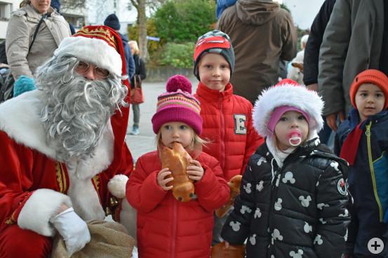 Der Nikolaus verteilte Dambedeis