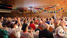 Rund 120 gut gelaunte Seniorinnen und Senioren kamen zum Feiern in das Kurhaus.