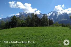 Der Mont Blanc wie so oft mit Wolkenhäubchen