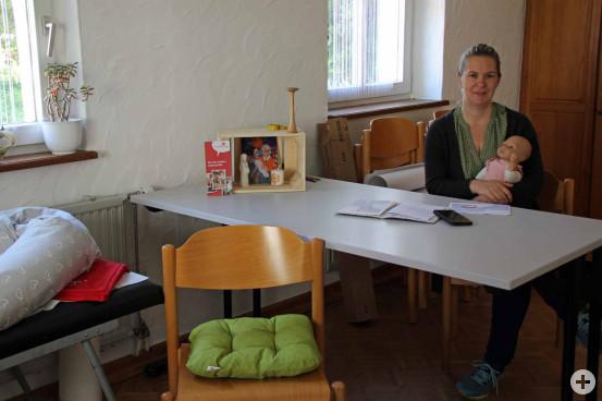 Hebamme Anja Lehnertz bietet in der VHS eine Notfallsprechstunde für schwangere Frauen an.  Bild: Gemeinde Waldbronn