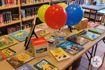 Der Lesetreff hat einen Büchertisch während der Fairen Woche aufgebaut.